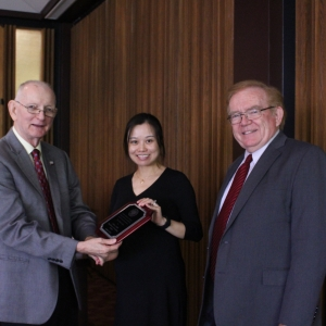 l-r: Drs. Dyer, Gao, and Dean Erekson
