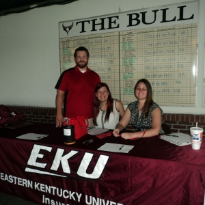 RMI students welcome golfers